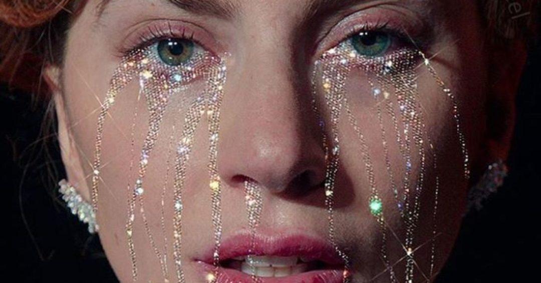 Sara Shakeel ci ricopre di Glitter